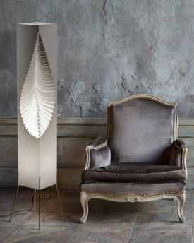 "Leaf – with wooden stand 122cms (48"")"